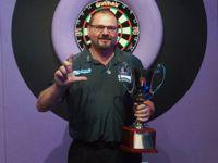 Peter Machin gewinnt die BDO World Trophy und qualifiziert sich damit für den Grand Slam of Darts