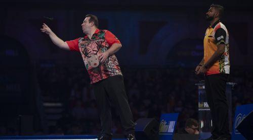Brendan Dolan gewinnt locker gegen Nitin Kumar