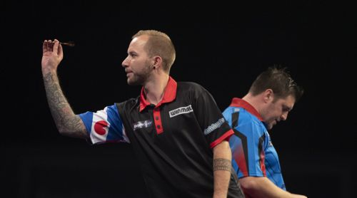 Danny Noppert und Daryl Gurney beim World Grand Prix