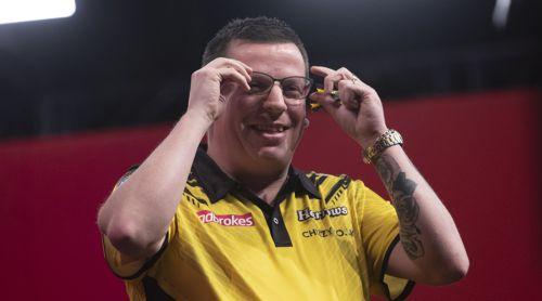Dave Chisnall trägt ab sofort Brille