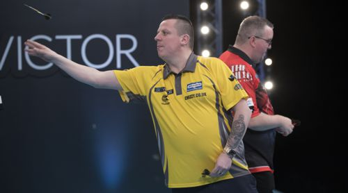 Dave Chisnall bezwingt Stepehen Bunting