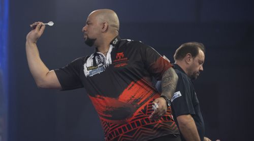 Devon Petersen verpasst Jason Lowe den Whitewash