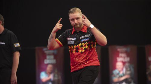 Dimitri Van den Bergh zieht in das Viertelfinale des World Matchplay ein