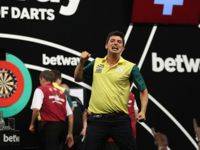 Diogo Portela nimmt am Qualifikationsturnier für die Darts WM 2018 teil