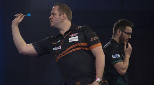 Dirk van Duijvenbode gewinnt glatt gegen Adam Hunt