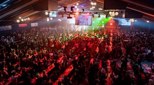 Die Dartfans in Graz verwandeln die Halle in ein Tollhaus