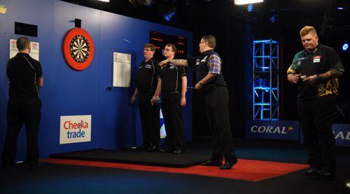Gary Anderson und Corey Cadby lieferten sich ein spannendes UK Open-Endspiel