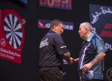 Gary Anderson besiegt Phil Taylor in Dubai