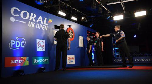 Gary Anderson gilt nach dem Ausscheiden von Michael van Gerwen als größter Favorit auf den UK Open-Titel