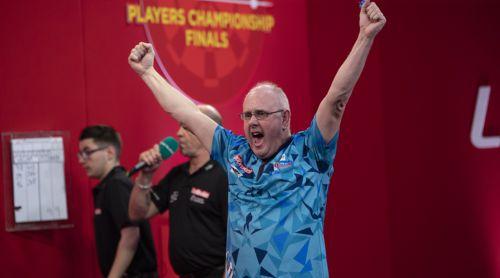 Ian White zieht in das Halbfinale des Players Championship ein
