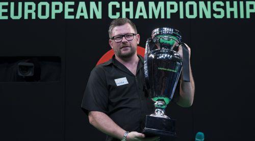 James Wade mit der European Championship Trophy
