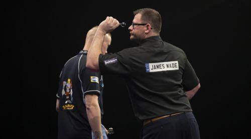 James Wade und Wesley Harms im Duell PDC gegen BDO