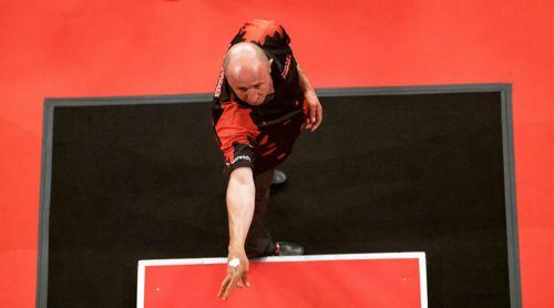 Dartspieler James Wilson von oben fotografiert