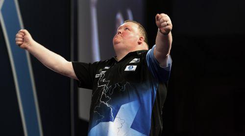 John Henderson zieht ohne Satzverlust in die zweite Runde der Darts WM 2018 ein