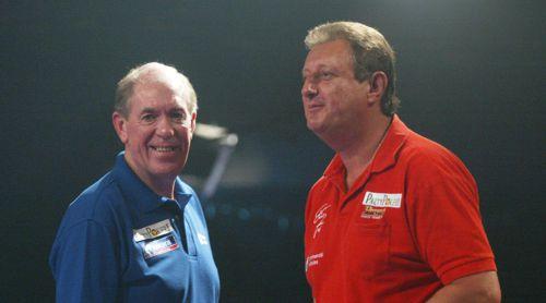 John Lowe mit Freund Eric Bristow