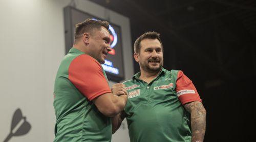 Jonny Clayton und Gerwyn Price aus Wales
