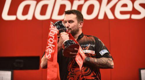 Jonny Clayton gewinnt das Masters 2021