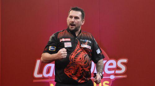 Jonny Clayton zieht in das Halbfinale des Masters ein