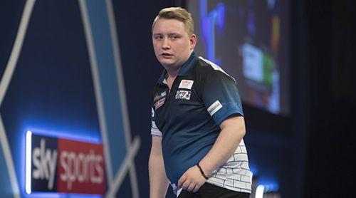 Martin Schindler schied in der 1. Runde der Darts WM 2019 aus