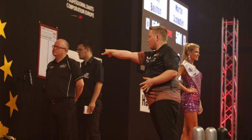 Martin Schindler beim European Darts Grand Prix 2016