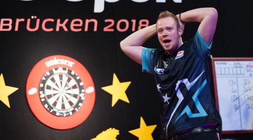 Max Hopp freut sich riesig über seinen ersten Turniersieg