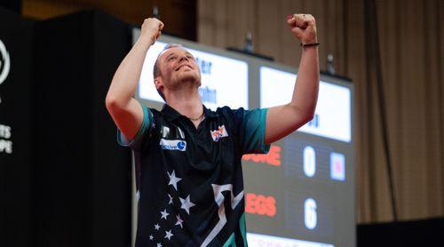 Max Hopp freut sich über seinen Sieg gegen den Weltranglistenzweiten