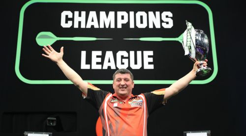Mensur Suljovic Champions League Pokal
