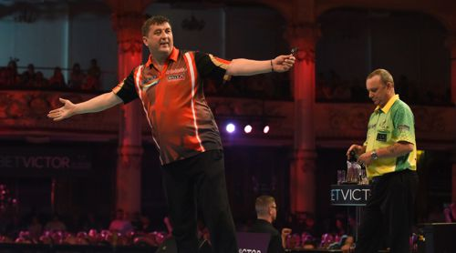 Mensur Suljovic besiegt Darrren Webster klar