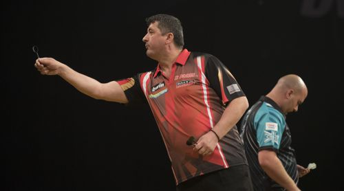 Mensur Suljovic besiegt Weltmeister Rob Cross