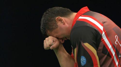 Mensur Suljovic besiegt Phil Taylor bei der Unibet European Darts Championship