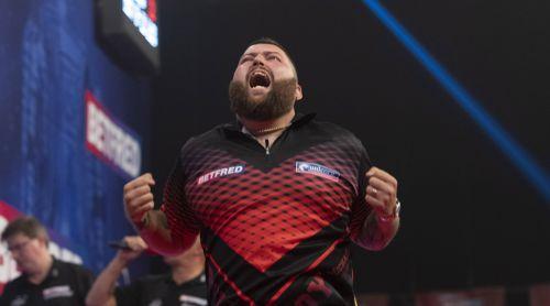 Michael Smith freut sich riesig über seinen Sieg