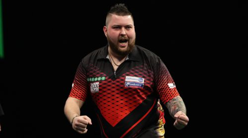 Michael Smith führt die Tabelle der Premier League Darts an