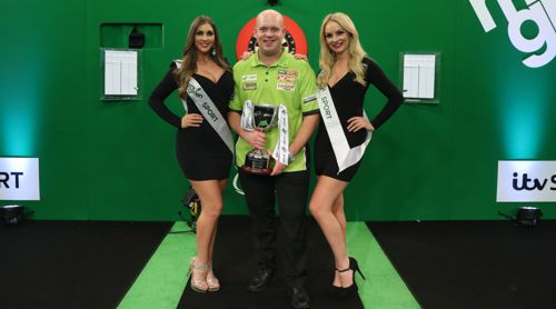 Michael van Gerwen bleibt Players Champion