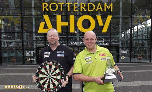 Raymond van Barneveld und Michael van Gerwen in Rotterdam
