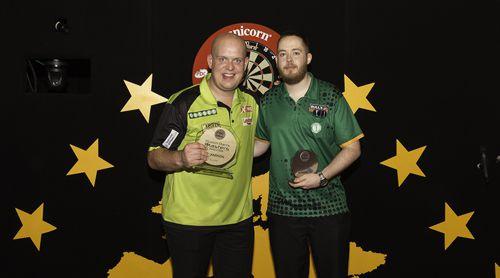 Michael van Gerwen besiegte Steve Lennon im Finale der Dutch Darts Masters
