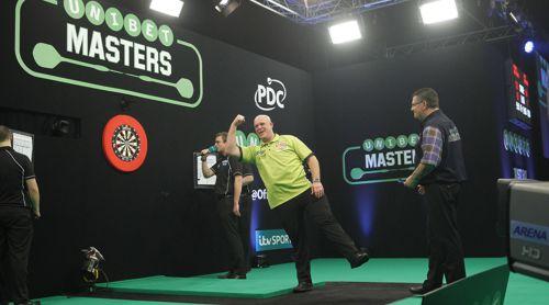 Michael van Gerwen besiegte Gary Anderson im Finale des Masters 2017 und verteidigte seinen Titel zum zweiten Mal in Folge