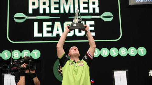 Michael van Gerwen gewinnt die Premier League