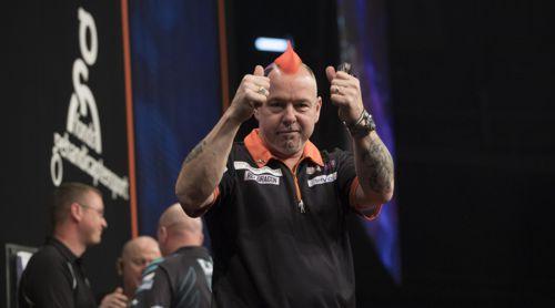 Peter Wright freut sich über einen Punktgewinn