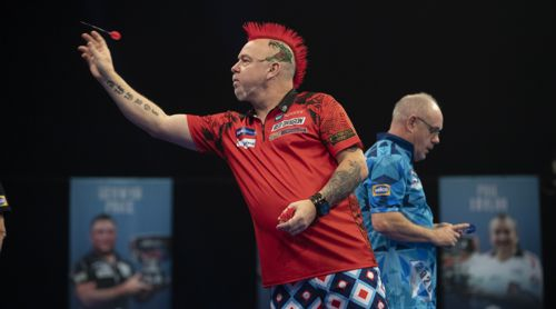 Peter Wright besiegt Ian White