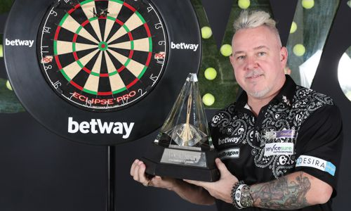 Peter Wright und die Premier League Trophy