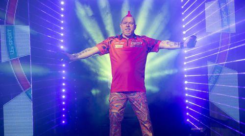 Weltmeister Peter Wright gewinnt klar gegen Simon Whitlock