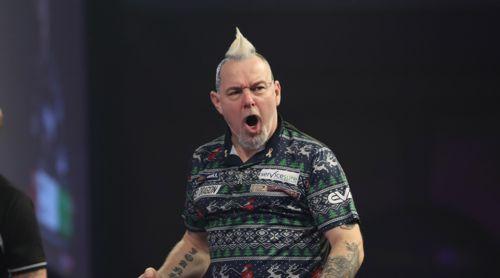Peter Wright versteigert seine Weihnachts-Pullover für einen guten Zweck
