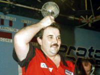 Phil Taylor gewinnt 1995 in der Circus Tavern, Purfleet, seine erste PDC Weltmeisterschaft