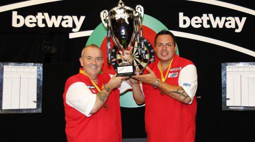 Phil Taylor und Adrian Lewis gewinnen den World Cup of Darts 2016