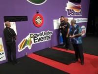 Phil Taylor auf dem Weg zur Titelverteidigung in Perth