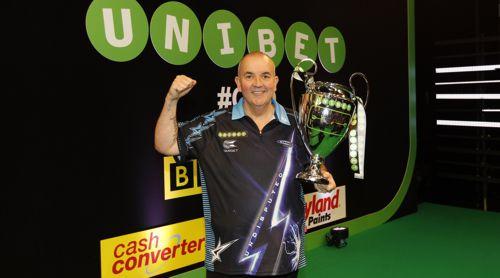 Phil Taylor gewinnt die Champions League of Darts