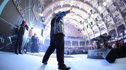 Phil Taylor bei seinem allerletzten World Matchplay Turnier im Emperess Ballroom