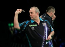 Phil Taylor besiegt Michael Smith