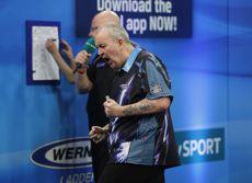 Phil Taylor duelliert sich im Halbfinale der UK Open mit Michael van Gerwen