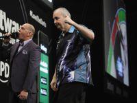 Phil Taylor zeigt Adrian Lewis, wer der Meister ist
